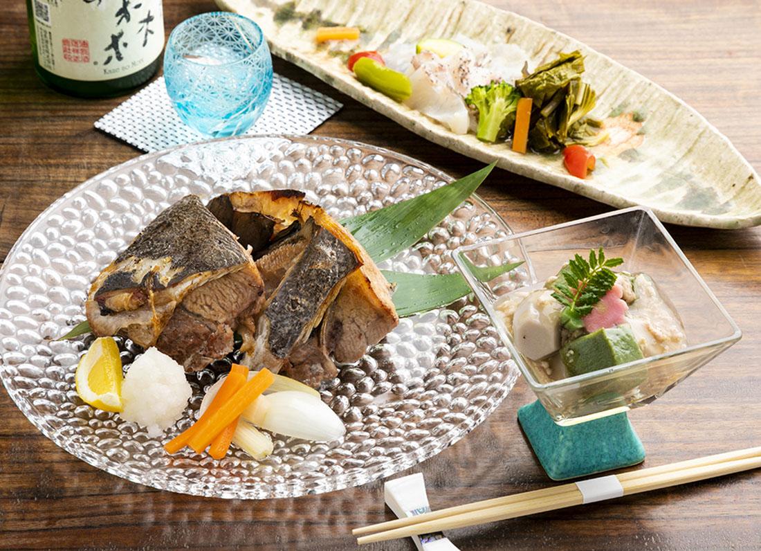 旬の食材と旨い日本酒。京のおばんざいも楽しめる料理屋。