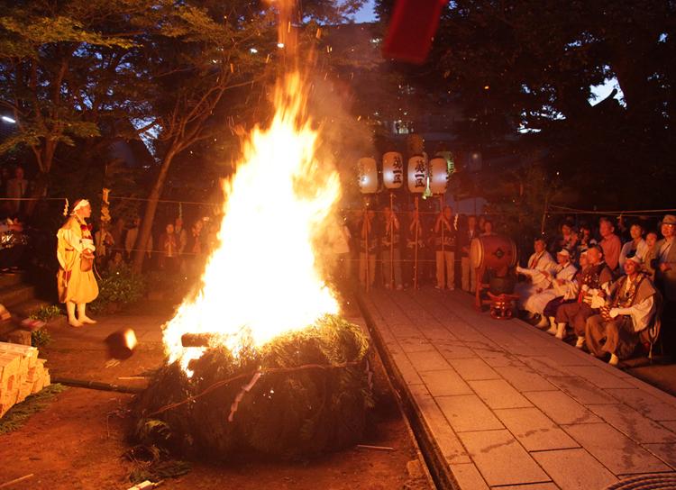 【6/4・5開催】温泉街が菖蒲の香りと活気に包まれる2日間。