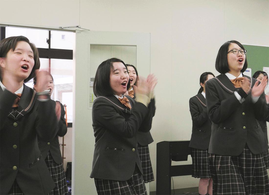 私たちはコンクールのために歌ったりしない!