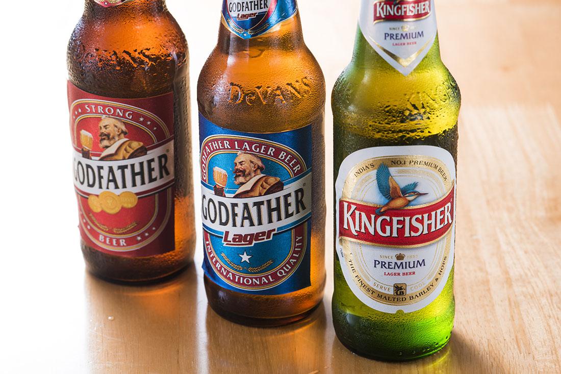 「キングフィッシャー」や「ゴッドファーザー」などインドでメジャーなビールのほか、世界のビールが20種類以上