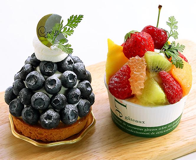 今日のおやつは、森の木いちご畑caféのプチケーキ♪