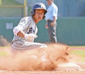 敦賀気比-日本文理 8回表敦賀気比2死二塁、大島選手がこの日2本目の三塁打を放ち8-3と突き放す 富山市民球場で