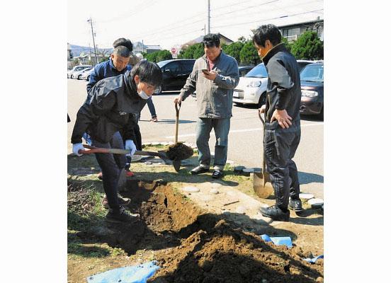 80年度 福井・明新小で埋めるも… タイムカプセル 記憶のかなたへ