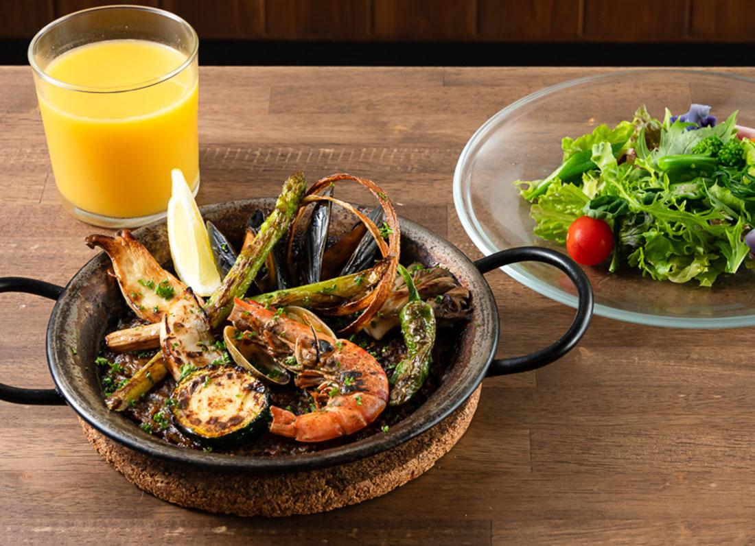お昼からパエリアが食べられる!とっておきレストラン|ルプリュムーチョ