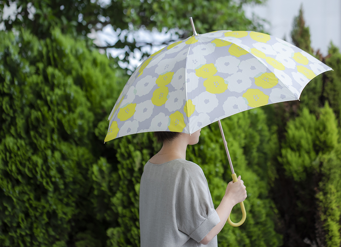 雨の日こそ色のチカラを取り入れたい。