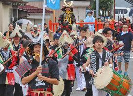 【地域】にぎやかに山車巡行 あわらで金津祭中日