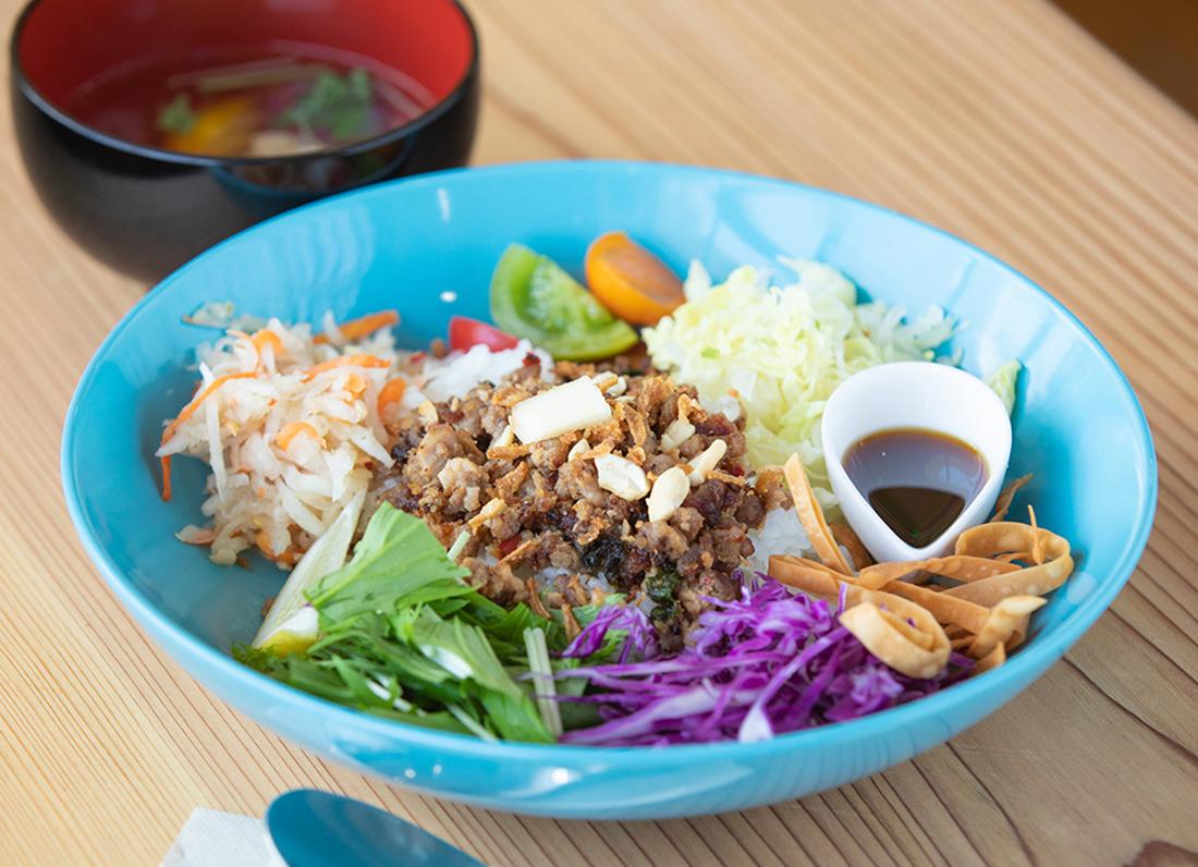 【Open】休校の小学校がカフェに!波松の魅力を味わって。