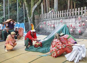 【地域】迫力の赤崎獅子舞 八幡神社で奉納 五穀豊穣願う
