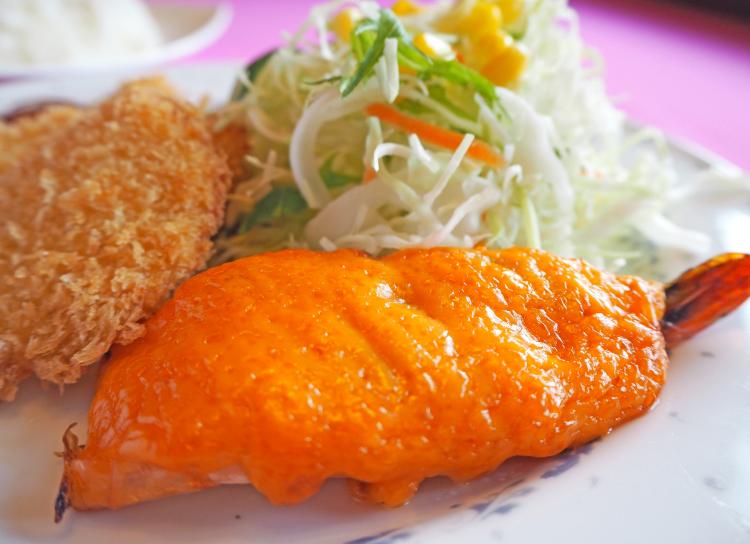 エビにウニにポークステーキ! 福井洋食ランチ界の重鎮『ラセール』。