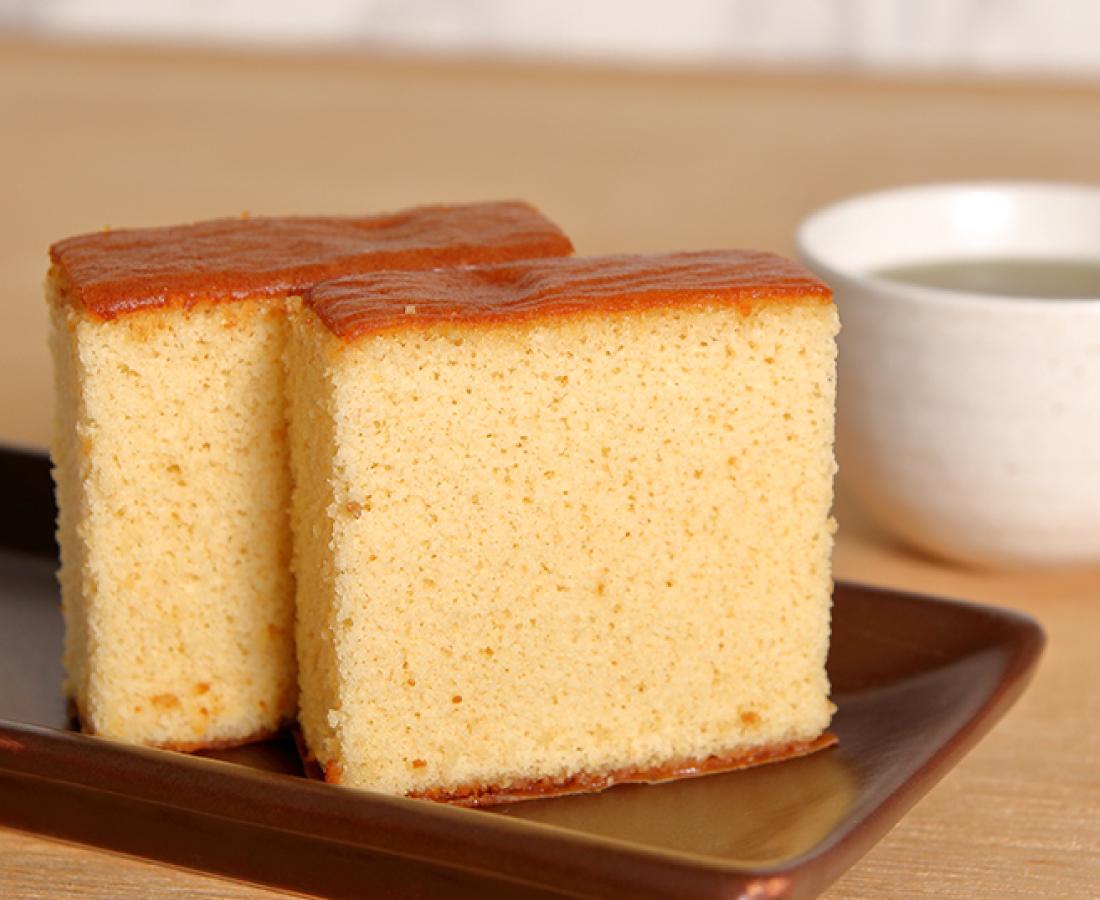 今日のおやつは、竹内菓子舗の五代目の米粉カステラ♪