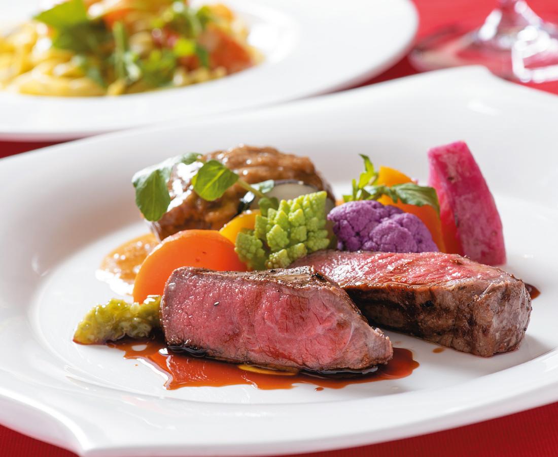 食材王国・北海道で見つけたシェフ会心の素材で彩るディナー。|Tenda Rossa
