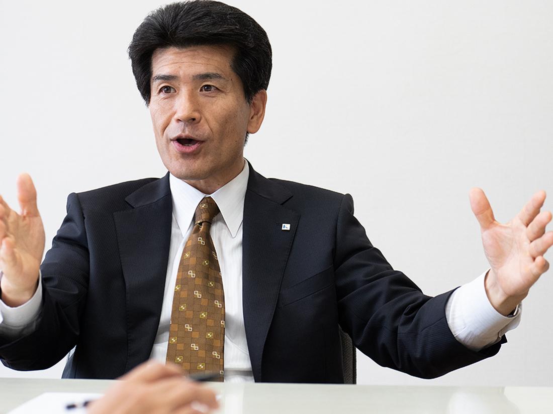 啓新高校(福井市)の理事長兼校長の荻原昭人さん