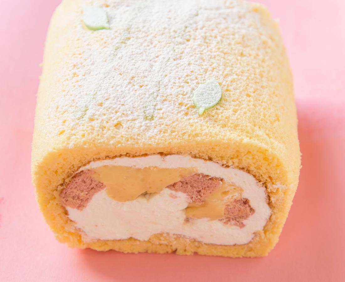 今日のおやつは、ぽっぽフジワラのロールケーキ♪