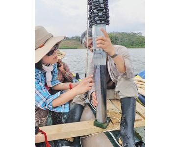 年縞でマヤ文明に迫る  水月湖と並ぶ「ものさし」に