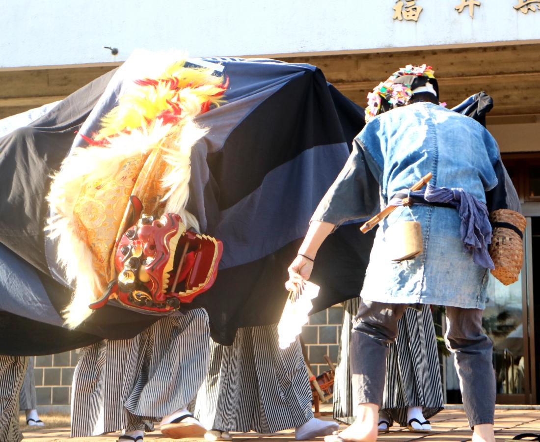 【1/11~13】獅子舞・餅つき・お菓子まき…お正月のめでたい催しが目白押し!|新春! 陶芸館2020