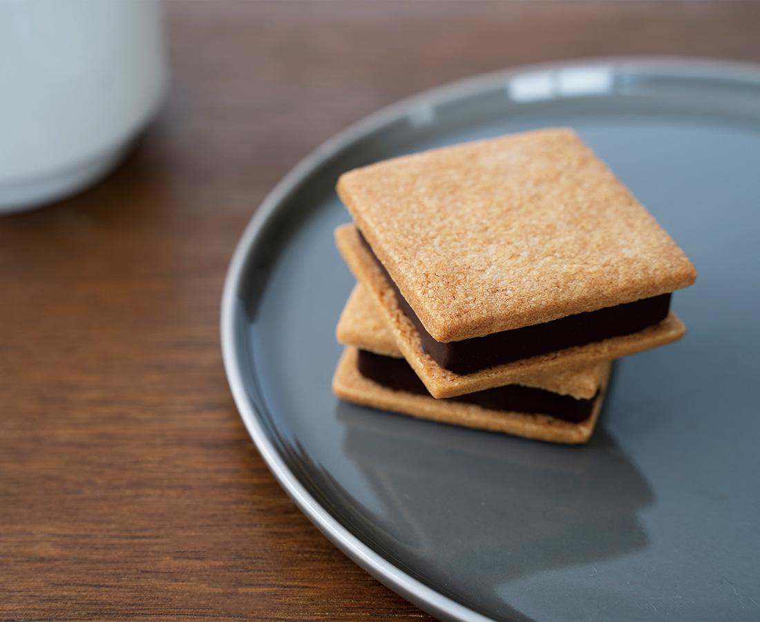 カカオ本来の味が手軽に楽しめる   贅沢サンド