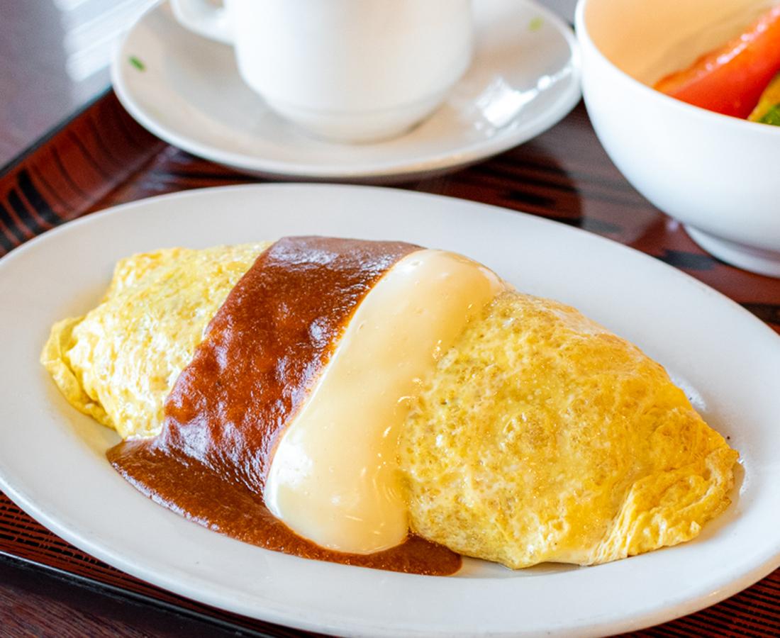 2種類のソースが絡み合う、唯一無二の看板メニュー|レストラン ブルドッグ
