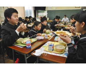 六条大麦がコロッケなどで給食に、福井 共立女子大の学生考案