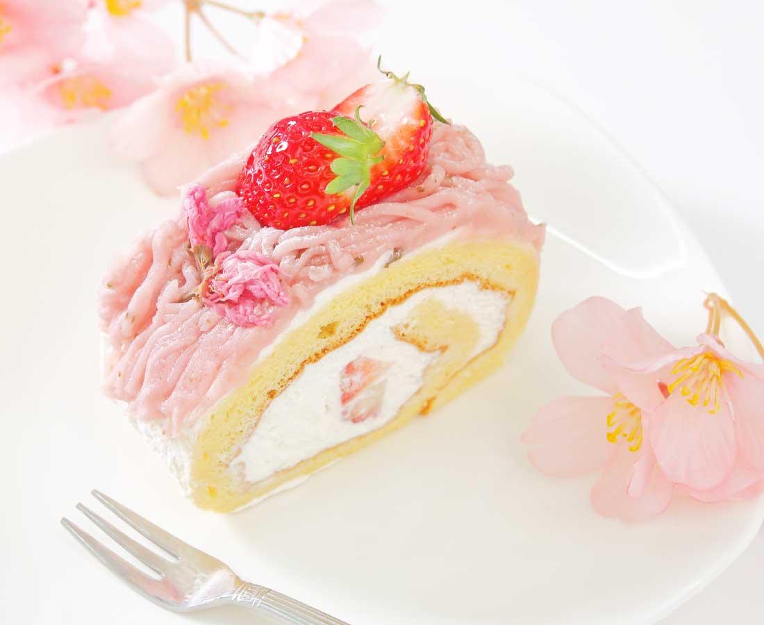 今日のおやつは、鯖江菓子工房 yamahatsuの桜ロール♪