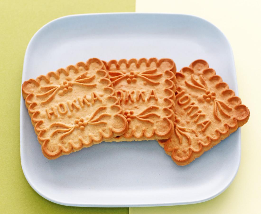 今日のおやつは、Potteaで手に入る『北陸製菓』の米蜜ビスケット♪