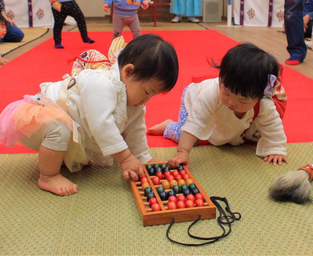 【中止】パパ、ママ注目! 子どもの成長と健康を祈願する神事に参加しませんか?|第4回 お宮の一生もち