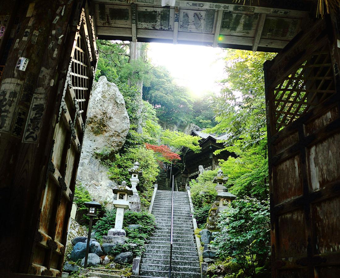 開創1300年。白山信仰の那谷寺でお清めと良縁祈願!