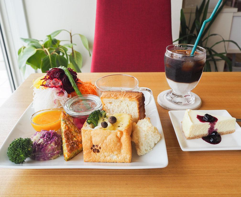 朝採れ野菜で元気に!農家カフェKAWAINOUEN+caféの彩り鮮やかランチ。