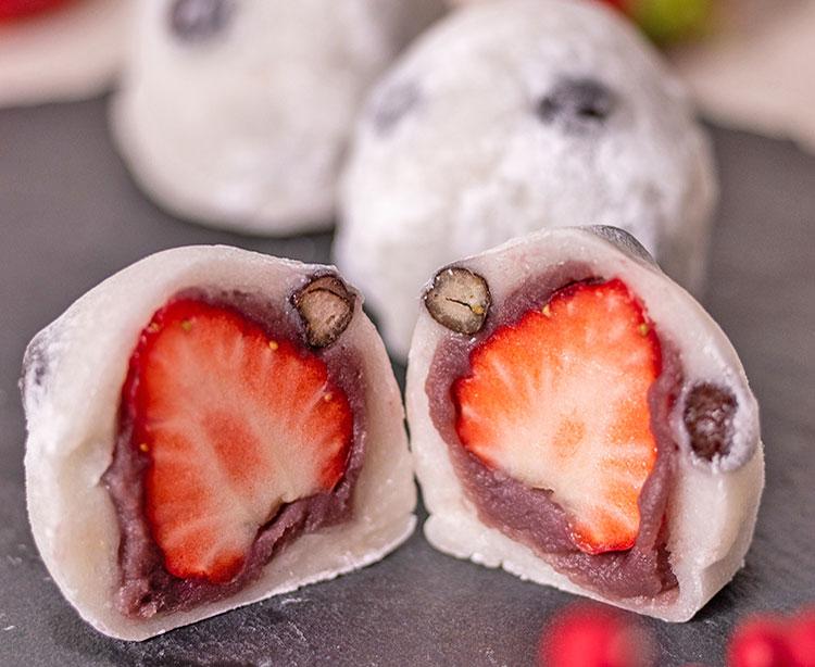 甘酸っぱいハーモニーを楽しむいちご大福の季節が到来♪|豆とくるみ さぶや菓舗