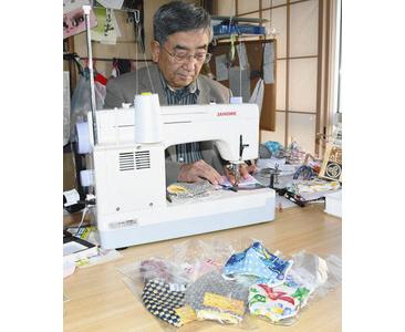 手作りマスク 製作に励む 勝山の阿部さん寄付