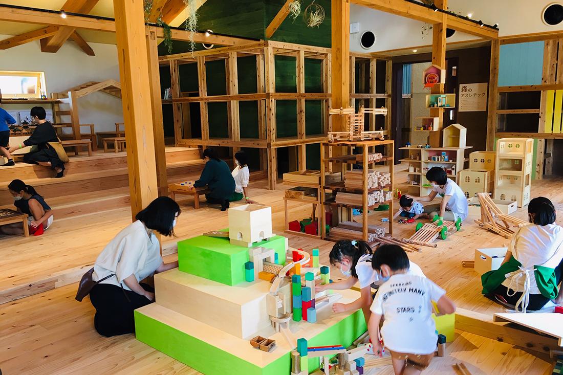 組み立ておもちゃホール
