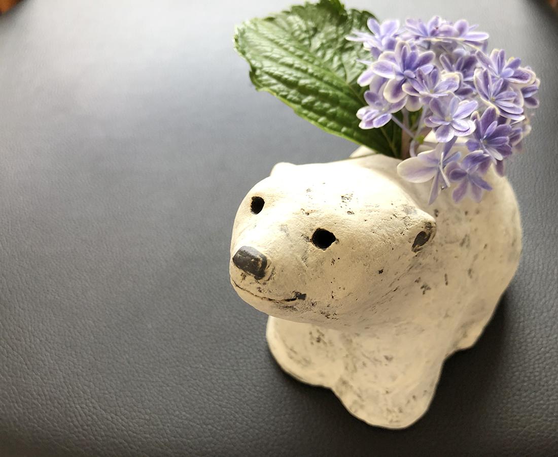 伝統工芸士が生み出す、ホッキョクグマ花入れで涼しさと癒やしを暮らしに取り入れる!