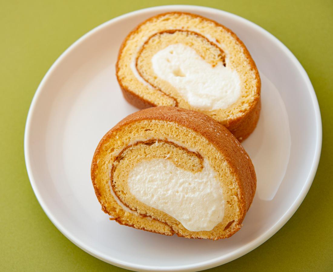 今日のおやつは、あさひ愛農園の米粉のロールケーキ♪
