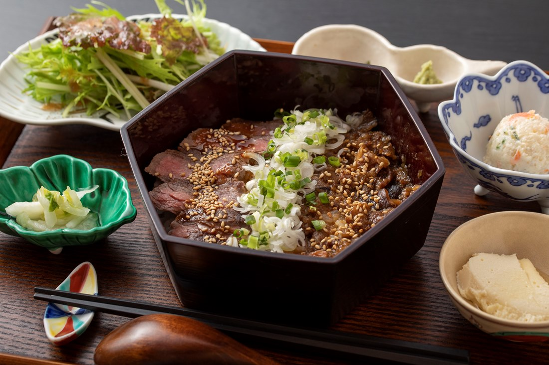 和牛ひつまぶしと肉盛りのお店 rita(リタ)