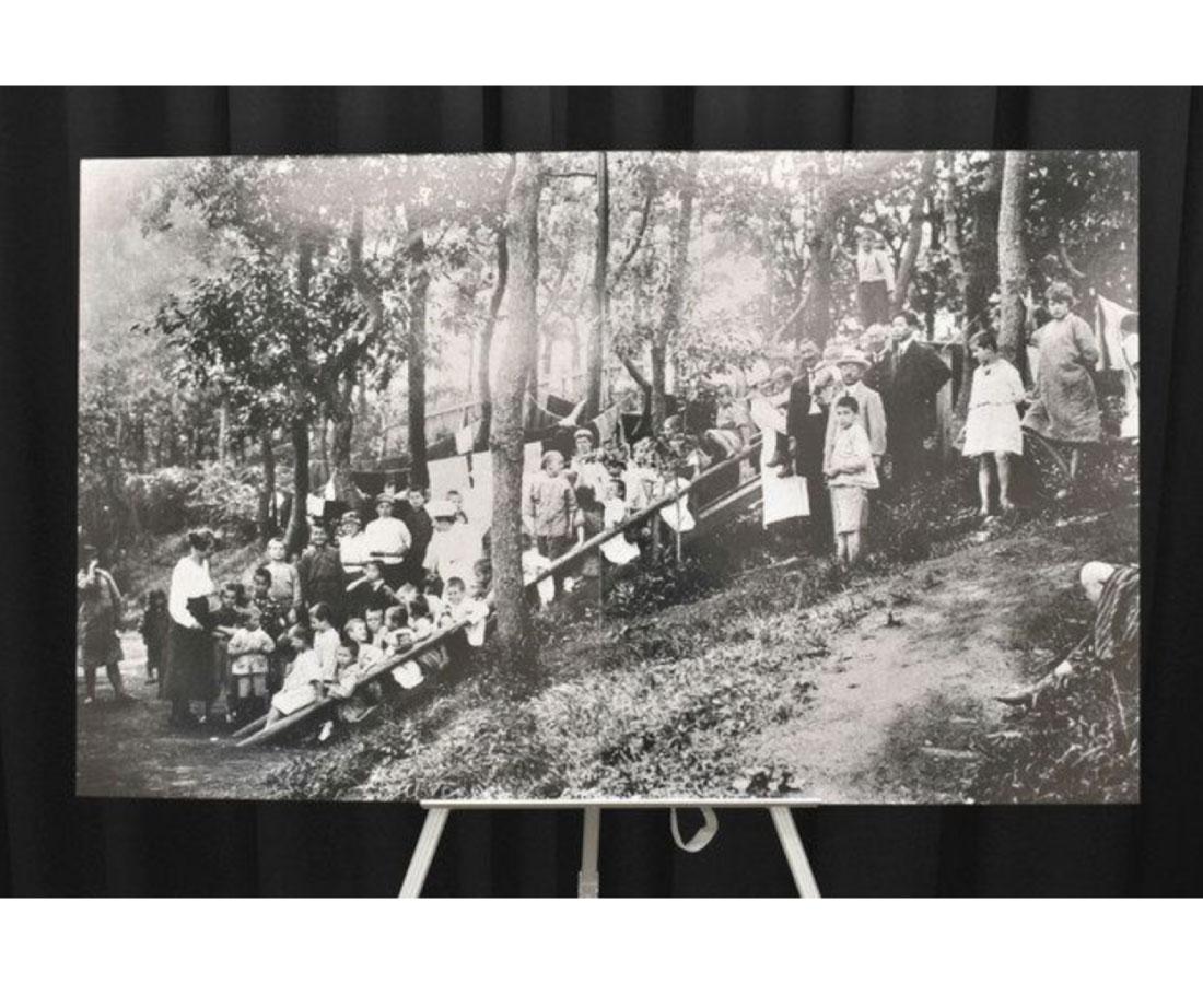 ポーランド孤児伝えて 敦賀上陸100年 市にレリーフ