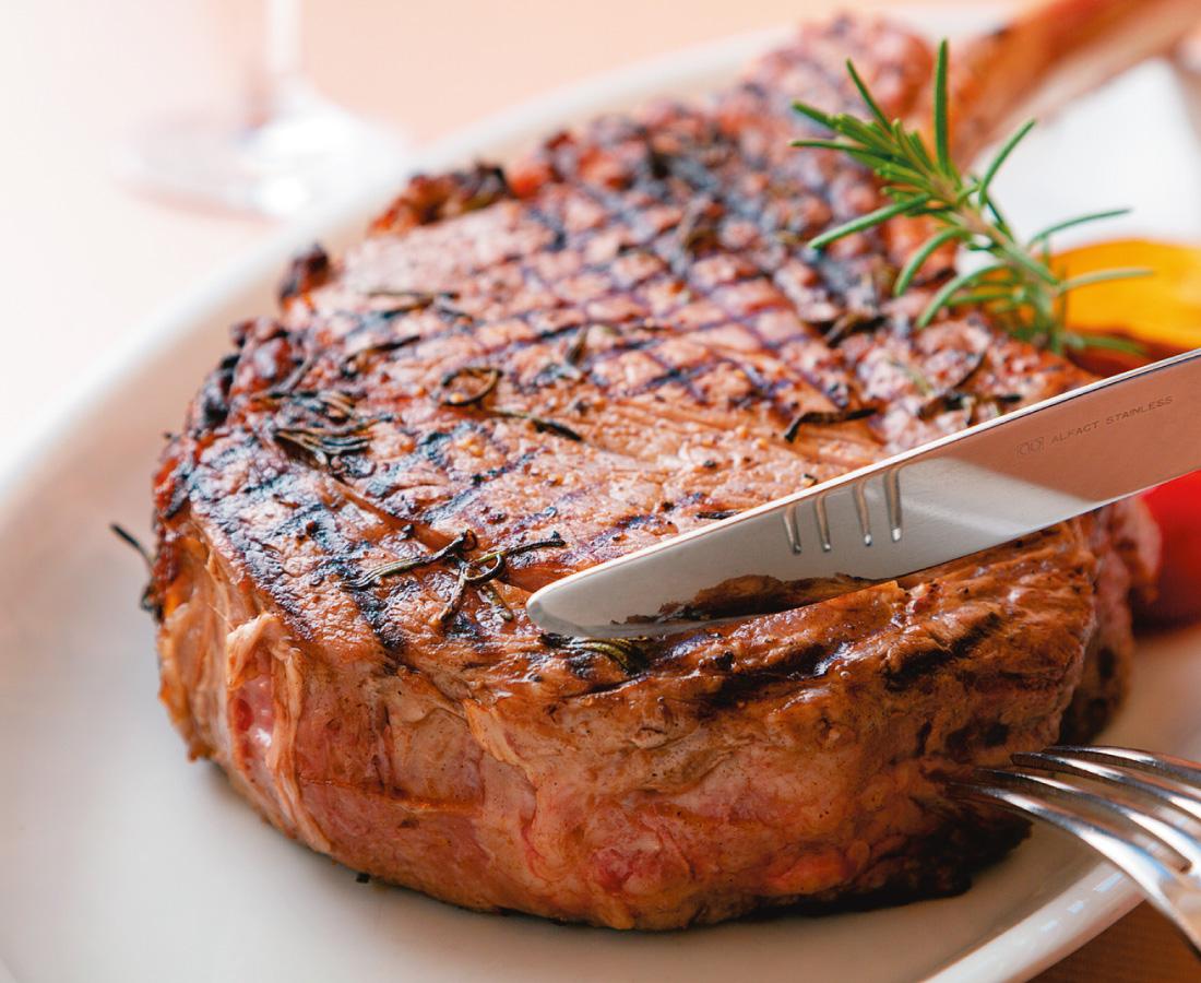 大迫力の骨付き塊肉に心躍る! Aggi流「肉リスマス2020」|Aggi(アギー)