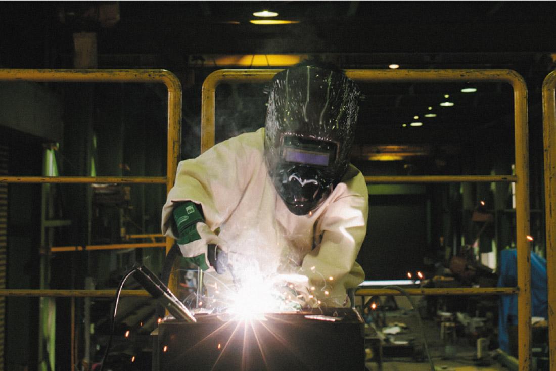 鉄工所でアイアンネームプレートづくり体験!  アイアンプラネット