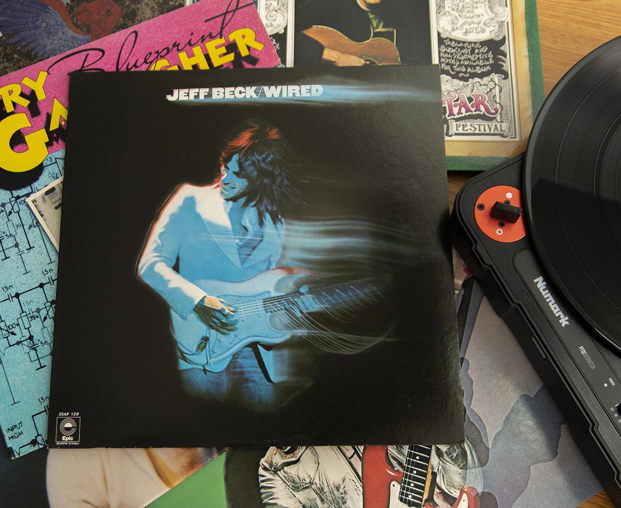 レコードの販売がCDを抜く! 今こそアナログで聴く珠玉のギターロック。