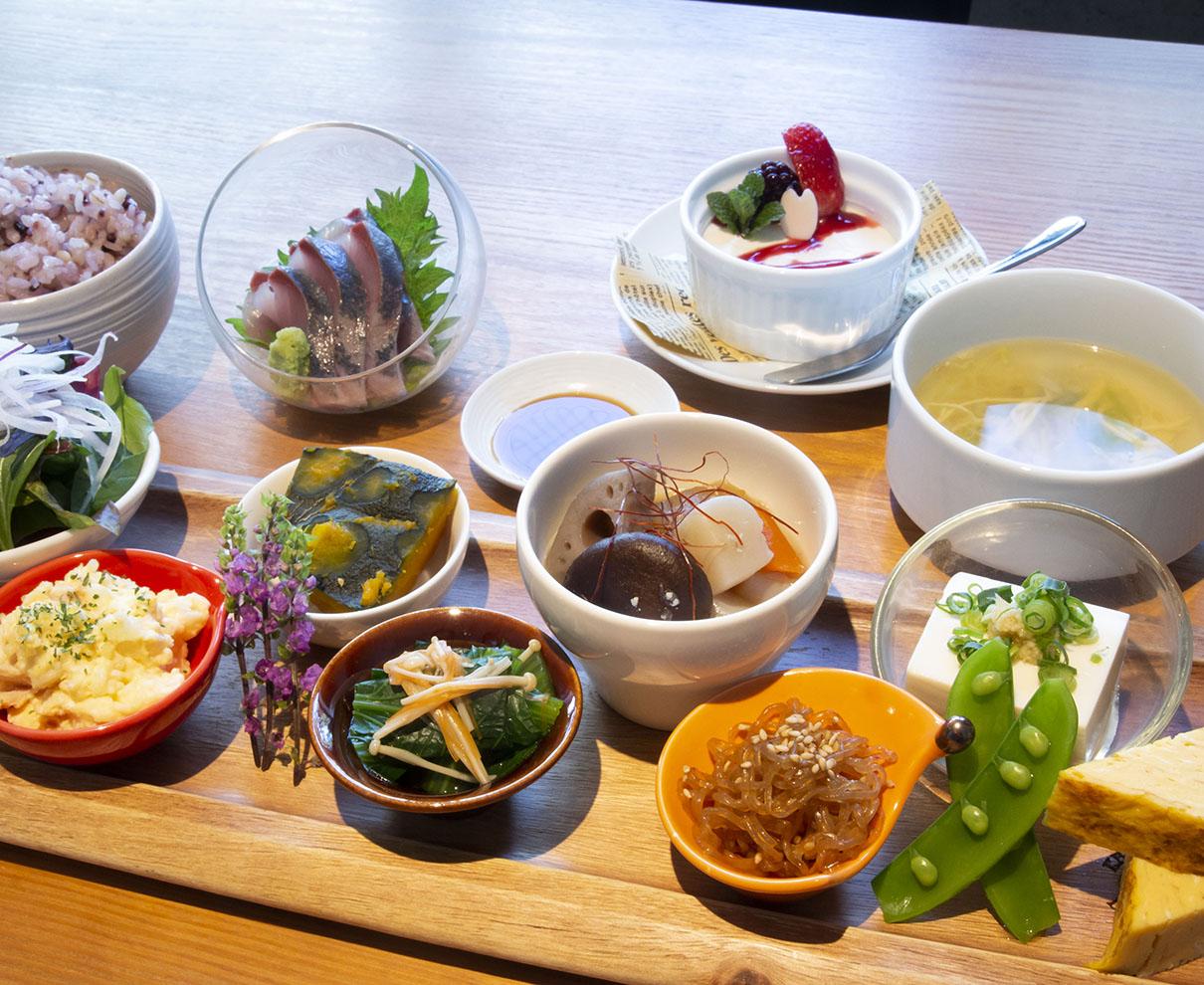 品数の多さにびっくり!『Kisaki CAFE CENTRALPARK』の和風ランチでお腹も栄養も満たそう♪