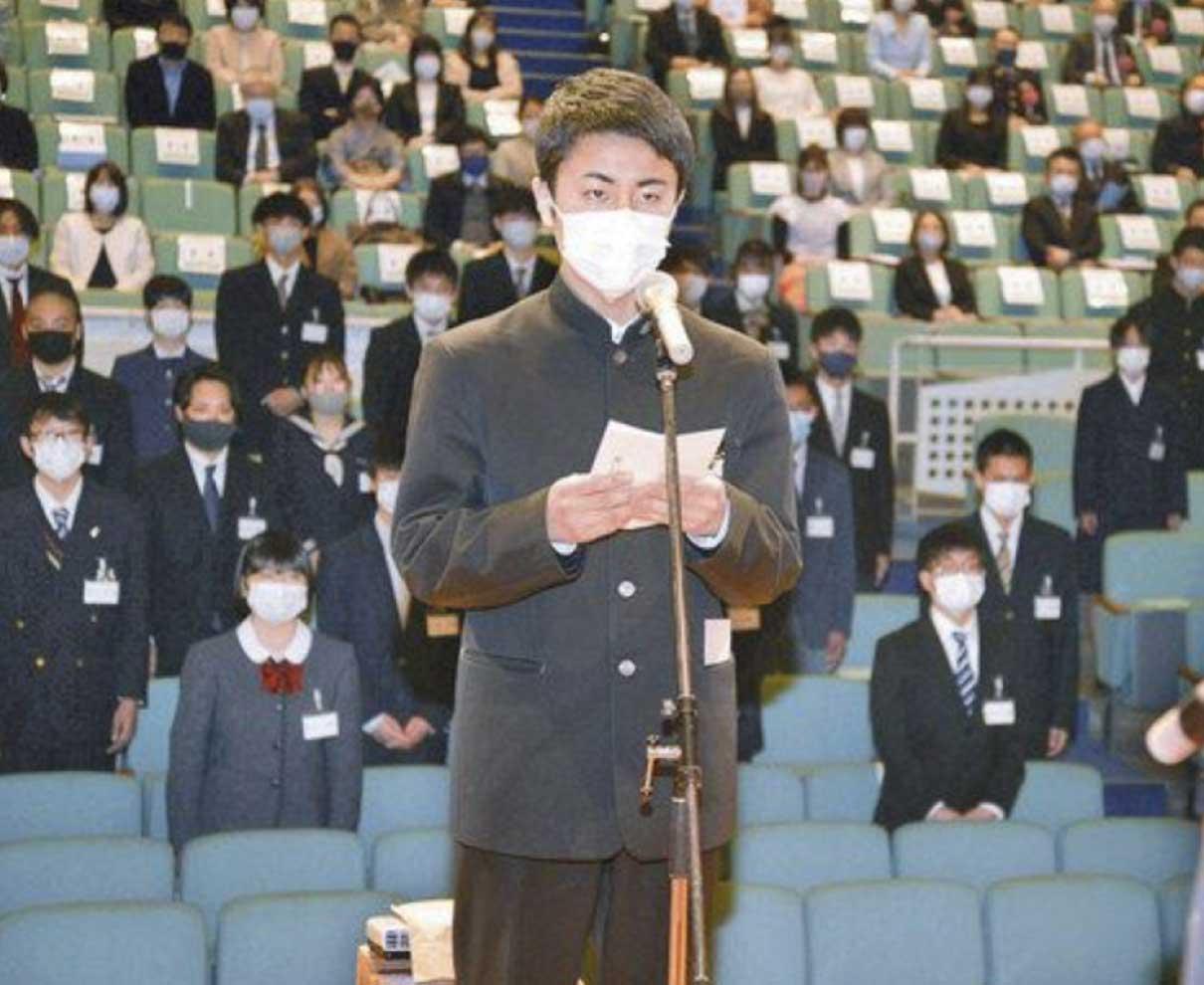 「尊敬される自衛隊員に」 入隊予定の学生ら激励