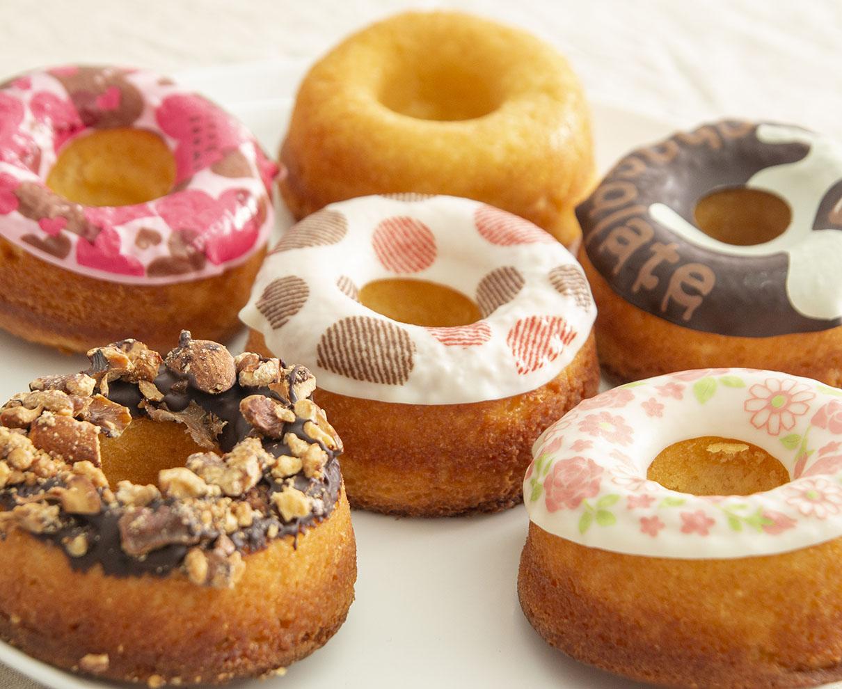 今日のおやつは、松田陽明堂の焼きドーナツ♪