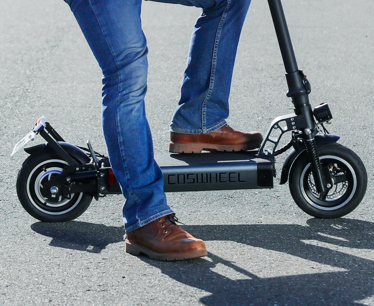 公道走行OK! サスティナブルな移動手段として今注目のEVスクーターに乗ろう!