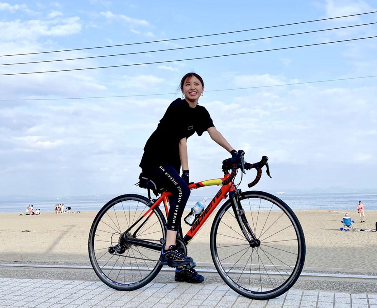 お仕事で、最近自転車に乗っています。日焼け対策しっかりしないとね♪