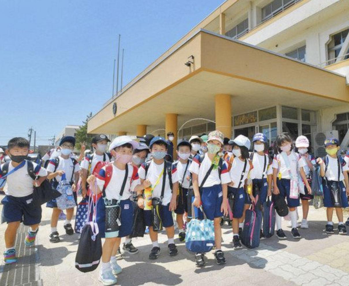 遊ぶぞ! 学ぶぞ! わくわく夏休み 県内小中学校