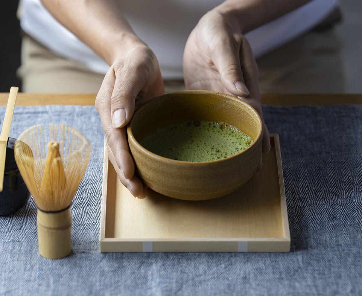 日用品として使いたい、持ち運びできる茶道具セット「Ippukubox」。抹茶のある暮らしをライトに始めよう。