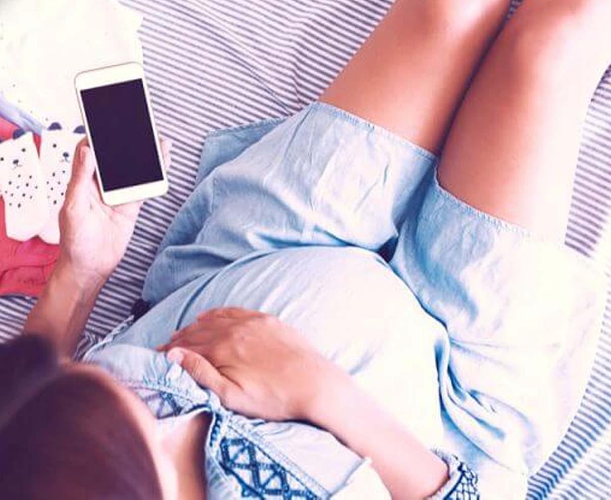 妊娠中に重宝するおすすめアプリ12選!快適なマタニティライフをお約束