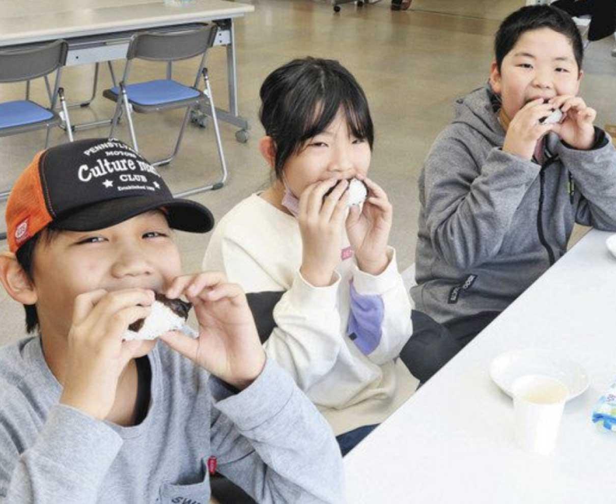 みんなで楽しく朝食会 福井・社南の有志 おむすび無償で